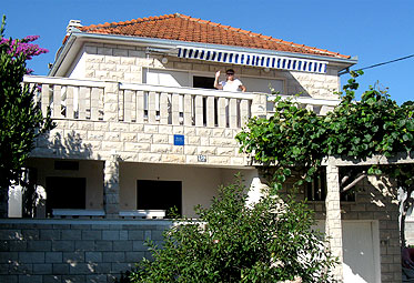 Apartments Croatia: Private Accommodation in place  �IOVO